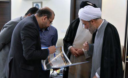 جلسه بررسی طرح توسعه حرمین شیراز با حضور آیت الله دژکام