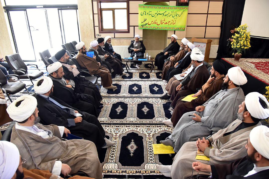 آیت الله دژکام : امروز دشمنان تلاش می کنند که شبکه مساجد نباشد