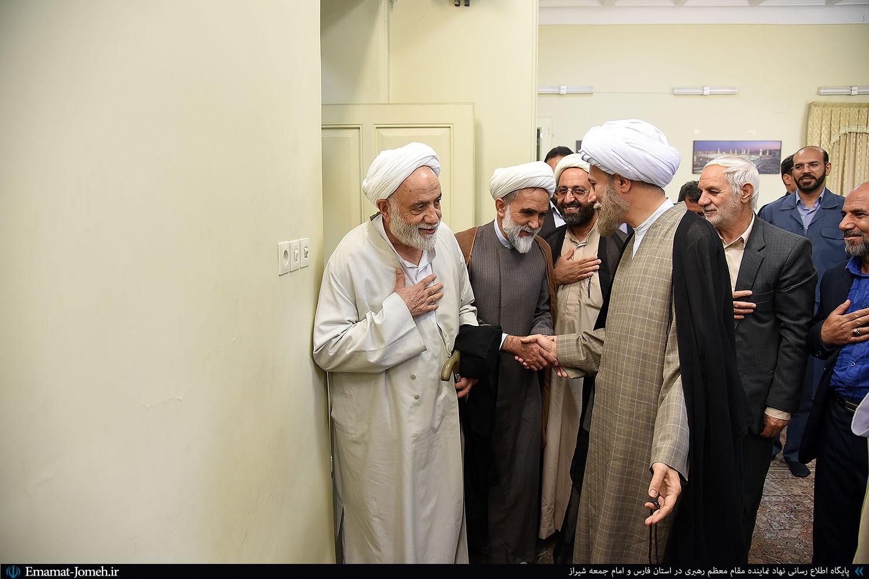 حضور حجت الاسلام قرائتی و مسئولین ستاد اقامه نماز در دفتر نماینده ولی فقیه در فارس