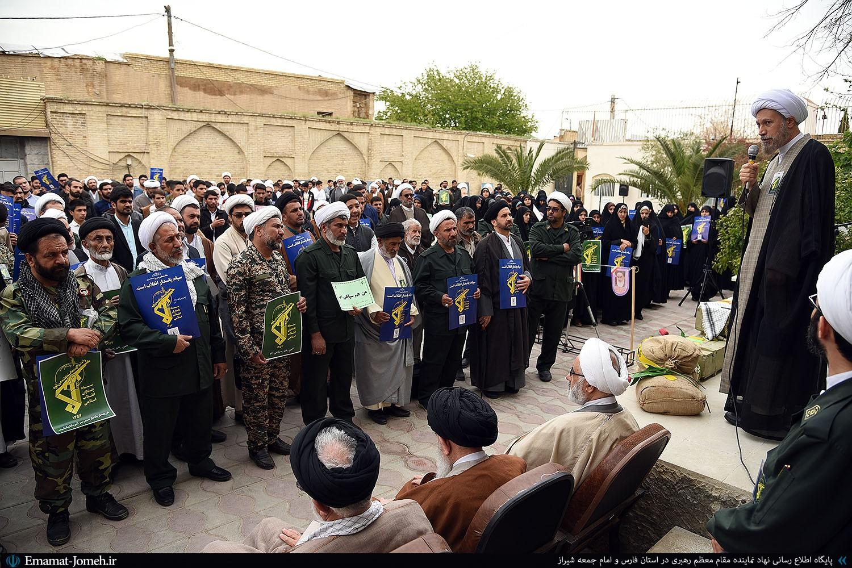 سپاه در پاسداری از انقلاب اسلامی تنها نخواهد بود؛ روحانیت همواره پشتیبان و همراه سپاه در پاسداری از ارزشهاست.