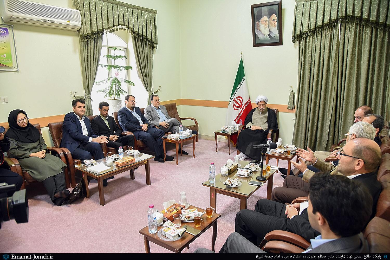 دیدار اعضای شورای شهر شیراز با آیت الله دژکام