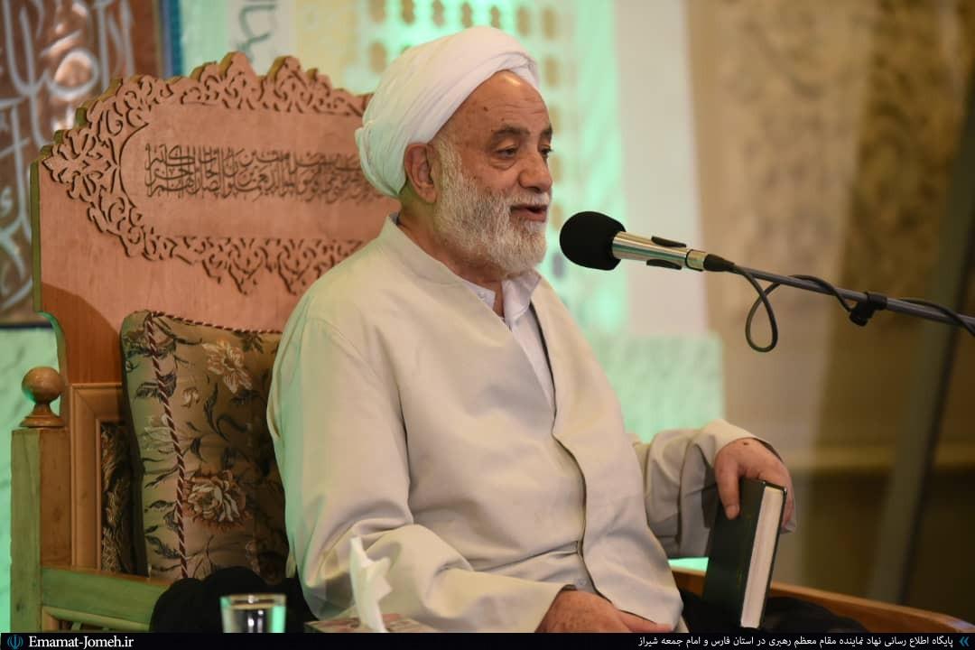 تفسیر قرآن باید به نحوی باشد که عوام آن را بفهمند و خواص نیز آن را بپسندند