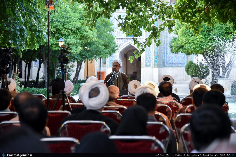 """برگزاری مراسم یادروز حکیم """"ملاصدرای شیرازی"""" در مدرسه خان شیراز با حضور جمعی از اساتید حوزه و دانشگاه و مسئولان استانی"""
