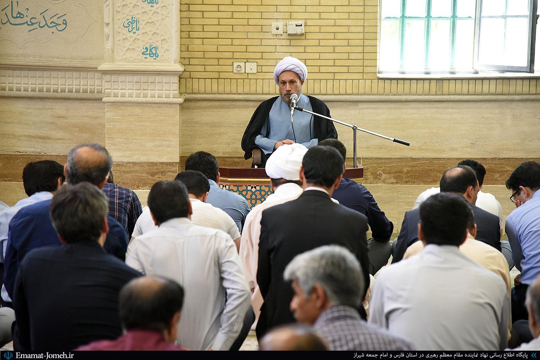 گزیده بیانات آیت الله دژکام در جمع دانشجویان و اساتید دانشگاه صنعتی شیراز