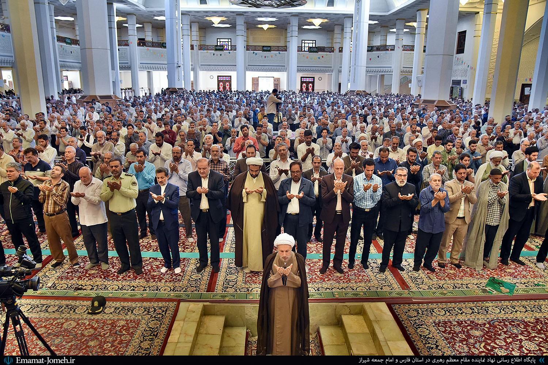 نماز عید قربان به امامت آیت الله دژکام در حرم مطهر شاهچراغ(ع)