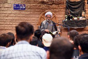 مراسم بدرقه کاروان اربعین حسینی دانشجویان دانشگاه شیراز با حضور آیت الله دژکام