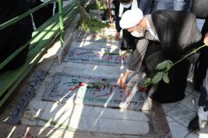 مراسم گلباران و تجدید میثاق با شهدای هشت سال دفاع مقدس در شیراز با حضور آیت الله دژکام