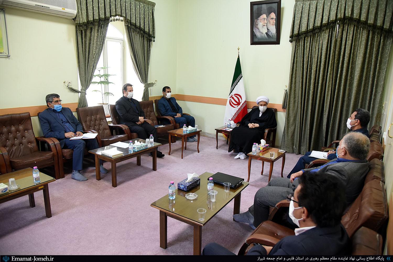 دیدار مسئولین برق منطقه ای فارس با آیت الله دژکام