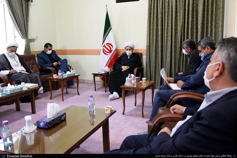 دیدار مسئولین میراث فرهنگی و گردشگری فارس با آیت الله دژکام
