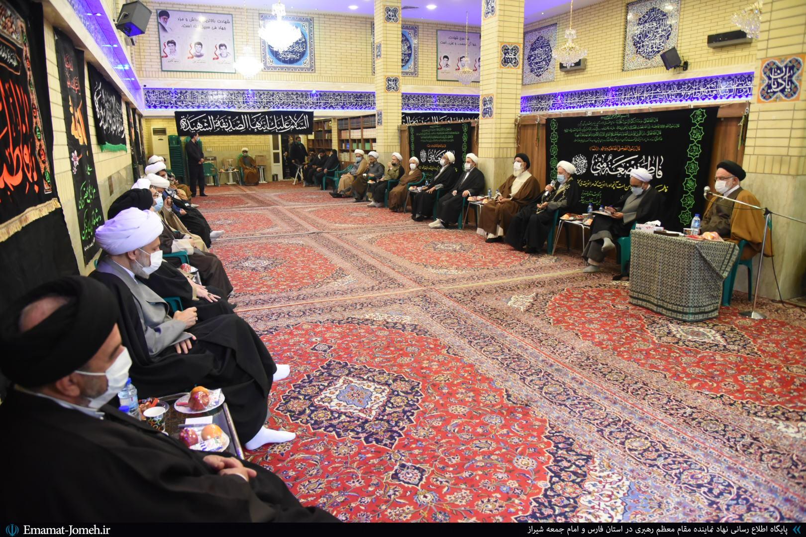 جلسه جامعه روحانیت استان فارس با حضور آیت الله دژکام