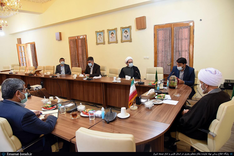 دیدار مسئولین کمیته امداد امام خمینی(ره) در استان فارس با آیت الله دژکام