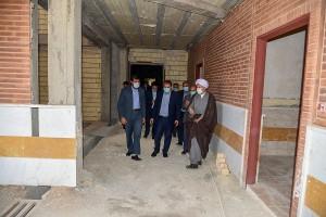 بازدید جمعی از مسئولین استان از حوزه علمیه در حال ساخت امام موسی کاظم(علیه السلام)