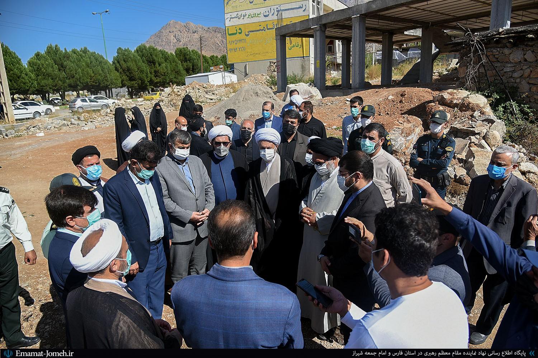 بازدید آیت الله دژکام و آیت الله حسینی از روند بازسازی خانه های آسیب دیده شهر زلزله زده سی سخت